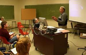 講師の負担軽減と即時性